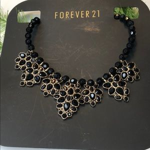 🍭 forever 21 black statement necklace